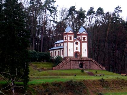 Außenansicht Gruftkapelle Sankt Maria