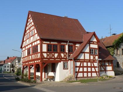 Außenansicht Bürgerhaus im ehemaligen Rathaus in Dürrfeld