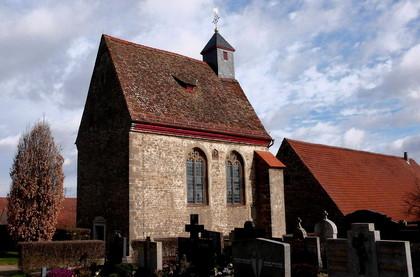 Außenansicht Friedhofskapelle Sankt Michael in Riedenheim