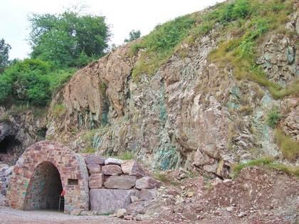 Eingang der Grube Wilhelmine in Sommerkahl
