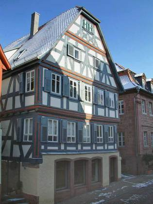 Außenansicht des Anwesens Pfarrgasse 3 in Amorbach