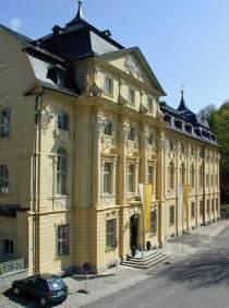 Außenansicht Konventbau des Klosters Oberzell in Zell am Main