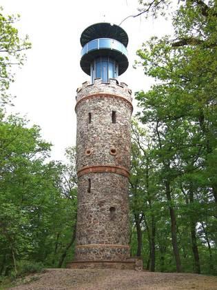 Außenansicht des Ludwigturms in Alzenau