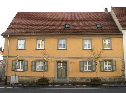 Außenansicht des Künstlerhofes in Schweinfurt-Oberndorf