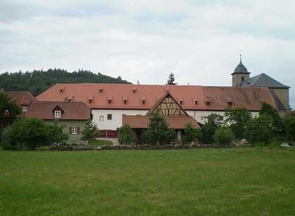 Außenansicht der ehemaligen Klosterscheune in Bastheim-Wechterswinkel