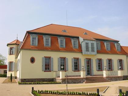 Außenansicht des Schlösschen Michelbach in Alzenau-Michelbach