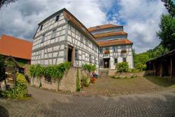Außenansicht des Museums Papiermühle Homburg