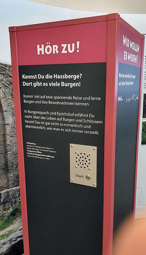 Hörstation in einer Ausstellung